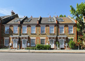 2 bed terraced house to rent in Burns Road, London SW11