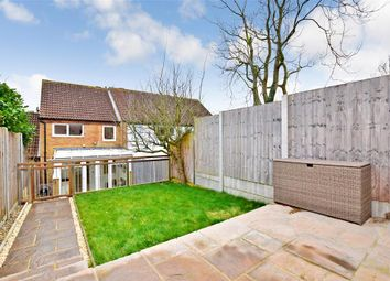 3 bed town house for sale in Tilmans Mead, Farningham, Kent DA4