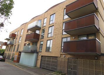 Thumbnail Flat to rent in Alscot Road, London