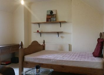Thumbnail Room to rent in Machon Bank, Sheffield