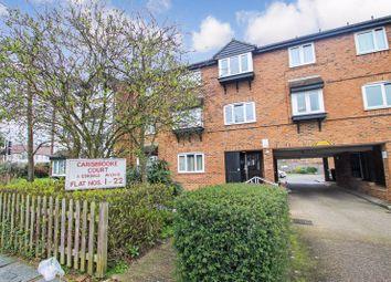 2 bed property for sale in Carisbrooke Court, Eskdale Avenue, Northolt UB5