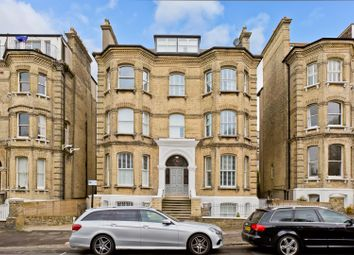 2 bed flat to rent in Wilbury Road, Hove BN3