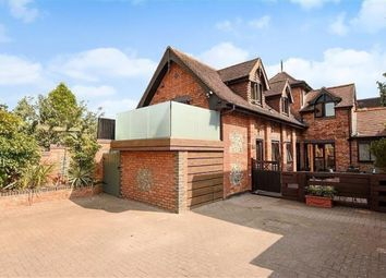 Thumbnail 2 bed flat to rent in Singers Lane, Henley-On-Thames