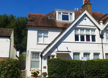 Thumbnail 1 bed flat to rent in York Avenue, Hove