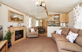 3 bed mobile/park home for sale in Grange Court, Grange Road, Goodrington, Paignton, Devon TQ4