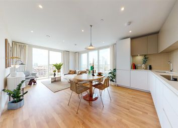 31 Waterline Way, London SE8. 2 bed flat