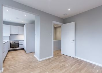 Thumbnail 2 bedroom flat to rent in Beverley, Court, London