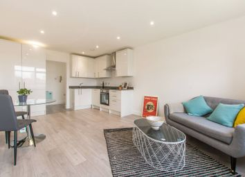 2 bed flat for sale in Etchingham Park Road, Finchley Central, London N3