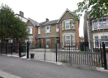 1 bed flat to rent in Wallwood Road, Leytonstone, London. E11