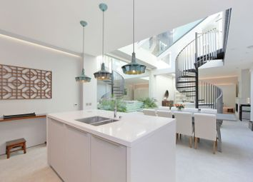 Thumbnail 2 bed flat for sale in Abingdon Road, London