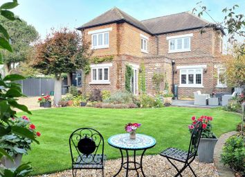 Clifton Road, Lee-On-The-Solent PO13. 4 bed detached house