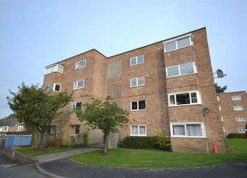 Thumbnail 2 bed flat for sale in Frescade Crescent, Town Centre, Basingstoke
