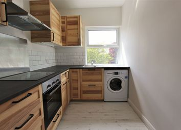 Thumbnail 3 bedroom flat to rent in West Green Road, South Tottenham