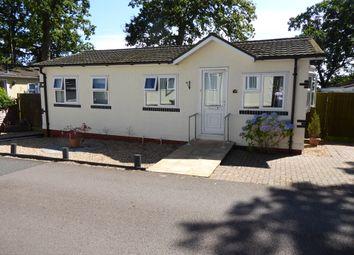 2 bed mobile/park home for sale in Third Avenue, Garston Park, Tilehurst, Reading, Berkshire RG31