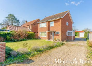 Thumbnail 3 bed detached house for sale in Norwich Road, North Walsham