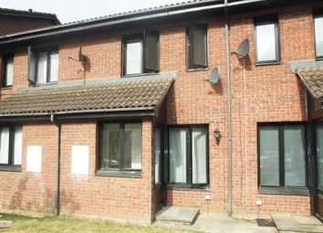 1 bed terraced house to rent in Aspen Close, Staines, Middlesex TW18