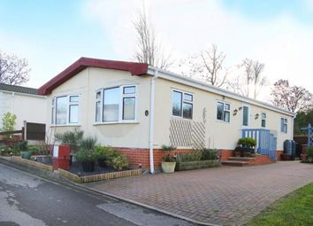 2 bed mobile/park home for sale in Sunningdale Park, New Tupton, Chesterfield, Derbyshire S42