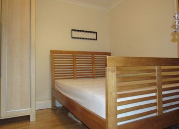 Thumbnail Room to rent in The Croft, Harrow, Middlesex
