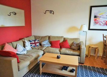 Thumbnail 2 bed flat for sale in Clapham Common South Side, London
