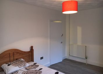 Thumbnail Room to rent in Luton Road, Brompton, Chatham, Kent