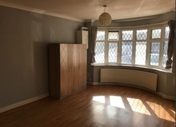 Thumbnail Studio to rent in 54A Copperfield Avenue, Uxbridge, Greater London
