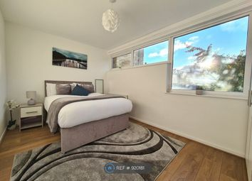 Room to rent in Russell Grove, London SW9