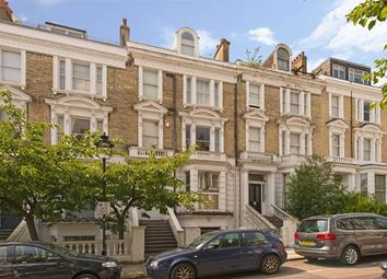 Thumbnail 2 bed flat to rent in Belsize Crescent, London