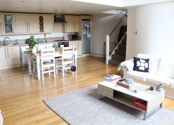 Thumbnail 2 bedroom flat to rent in Principal Square, London