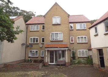 Thumbnail 2 bed flat for sale in The Paddock, Sleaford