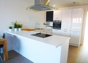 Thumbnail 2 bed flat to rent in Ossory Road, London