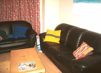Thumbnail 4 bedroom shared accommodation to rent in Hessle View, Hyde Park, Leeds