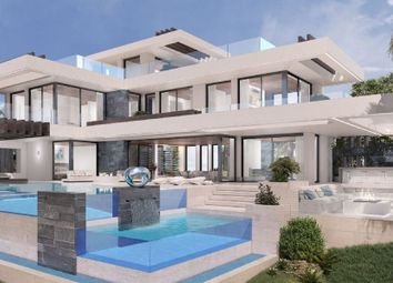 Thumbnail 4 bed villa for sale in La Alqueria, Marbella, Spain
