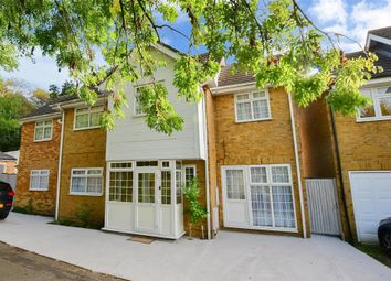 Thumbnail 6 bed detached house for sale in Roding Lane South, Redbridge, Essex