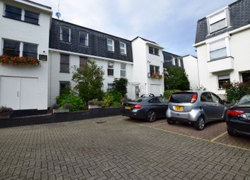 Thumbnail 1 bed flat for sale in Pooles Lane, Chelsea