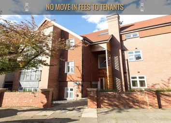 Thumbnail 1 bedroom flat to rent in Heathfield Park, London