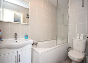 Thumbnail 1 bedroom flat for sale in Craven Park, London