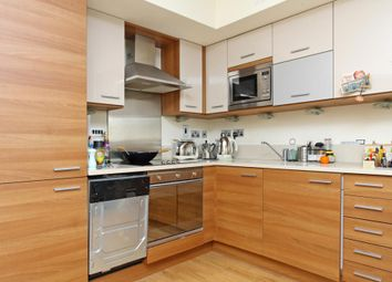 Thumbnail 1 bed flat to rent in Ikon Apts, Cable Street, London
