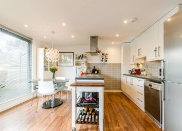 Thumbnail 2 bed flat for sale in Quaker Street, Spitalfields