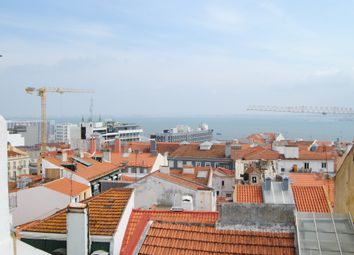 Thumbnail Apartment for sale in Estrela, Lisbon Province, Portugal