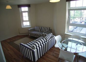 Thumbnail 4 bed flat to rent in Lever Street, London