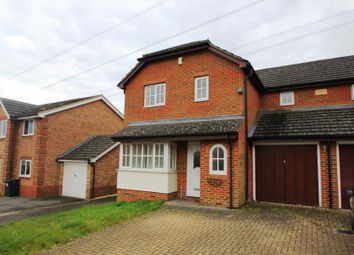 Thumbnail 4 bed detached house to rent in Knoll Park Road, Chertsey