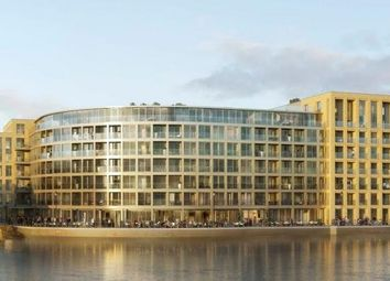Thumbnail 1 bed flat for sale in Queen's Wharf, London