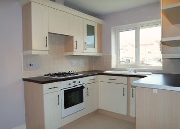 2 bed flat to rent in Greenacre Way, Sheffield S12