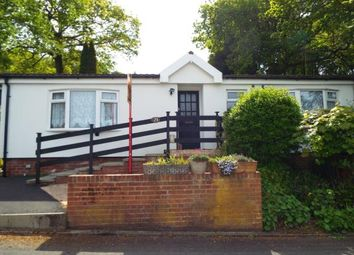2 bed mobile/park home for sale in Oakland Glen, Walton-Le-Dale, Preston, Lancashire PR5