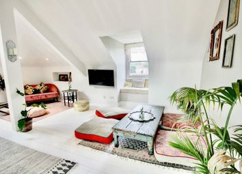 Thicket Road, London SE20. 2 bed flat for sale