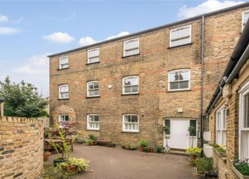 3 bed flat for sale in St Thomas's Road, Finsbury Park, London N4