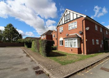 2 bed flat to rent in Milton Road, Aylesbury HP21