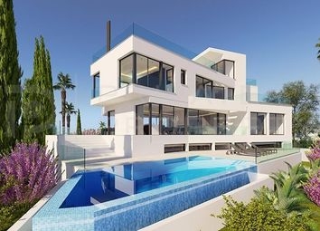 Thumbnail 5 bed villa for sale in Marbella, Málaga, Spain