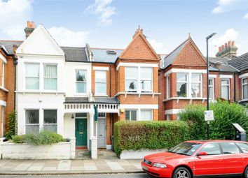 2 bed flat to rent in Hambalt Road, London SW4