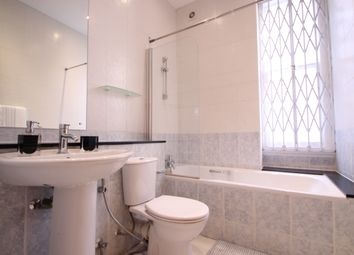 Thumbnail 3 bedroom flat to rent in Transept Street, London